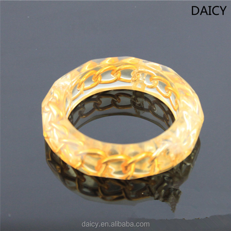 DAICY unique design cheap fashion chain inside gold clear resin bangle