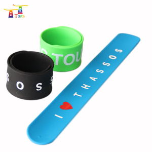 free sample sport emoji glow in the dark kids silicon snap bracelet rubber silicon custom slap wrist bands