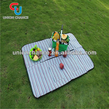 Camping folding picnic mat with handle