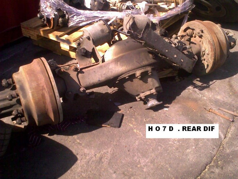 HINO DIFF COMPLETE 8 STUDS H O 7 D