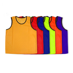 China wholesale instock soccer pinnies kids football bibs sports vest mens heated vest team training scrimmage vest