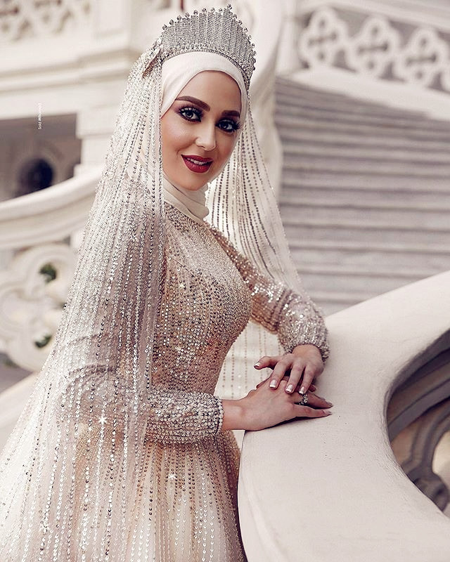 2019 Latest Bling Muslim Wedding Dress Long Sleeve Sequin Islamic Women Modern A Line Formal Bridal Gowns With Cathedral Veil