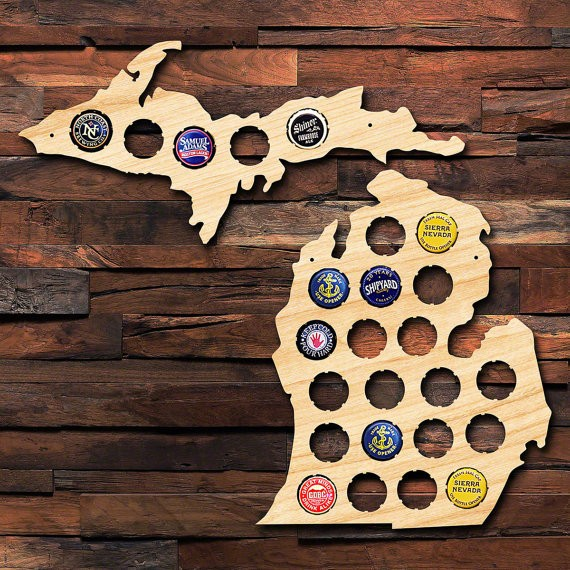 Amazon 2017 new arrival wall decor poly wood beer cup map for home decoration