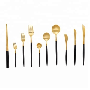 30% OFF Discount Inexpensive Flatware Set Gold Black Handle Royal Cutipol Cutlery