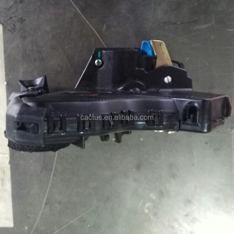 Toyota car front door lock 69040-26130 69030-26140 with 2KD 2KD-FTV 2KDFTV engine