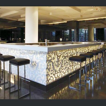 Pi caldo mobili bar banconi bar di design cucina disegni for Mobili da ristorante di design