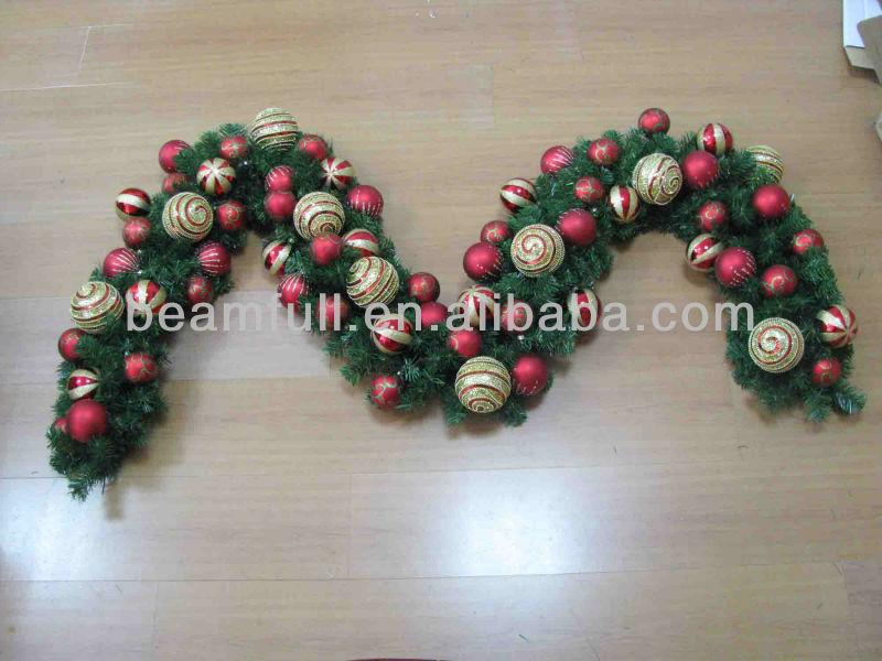 nuevo estilo de plstico pvc corona de navidad guirnalda de navidad con bolas