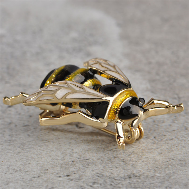 Wholesale High Quality Crystal Brooches Lapel Tie Enamel Hijab Pin Cute Animal Bee Brooch