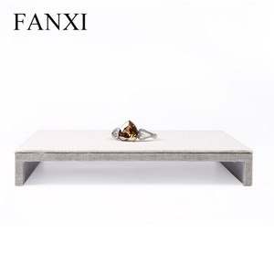 FANXI china manufacturer creamy white color linen necklace/pendant/bracelet/ring chair display watch holder exhibitor stand