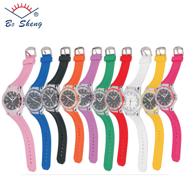 2017 Silicone Strap Big Alloy Dial Design Wrist Watches for Men(8651)