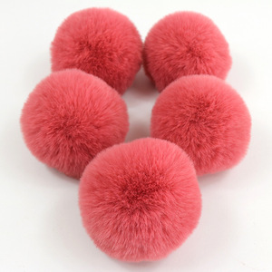 Wholesale low moq factory price fur balls for bag pendants charm diy faux rabbit fur ball for pendants