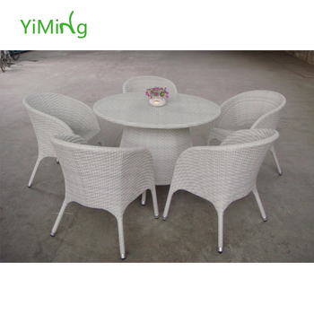 Valencia White Wicker Round Dining Tables In Glass With Chair Yard - White wicker round dining table