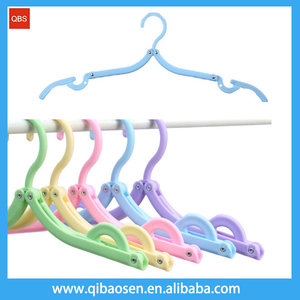 Easy carry portable Lightweight travel foldable plastic clothes hanger