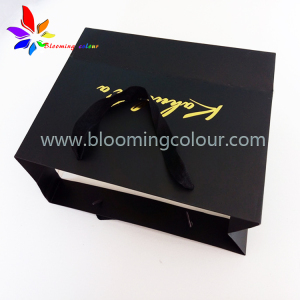 Wholesale High quality black shopping bags paper clothing shoes bag with gold foil