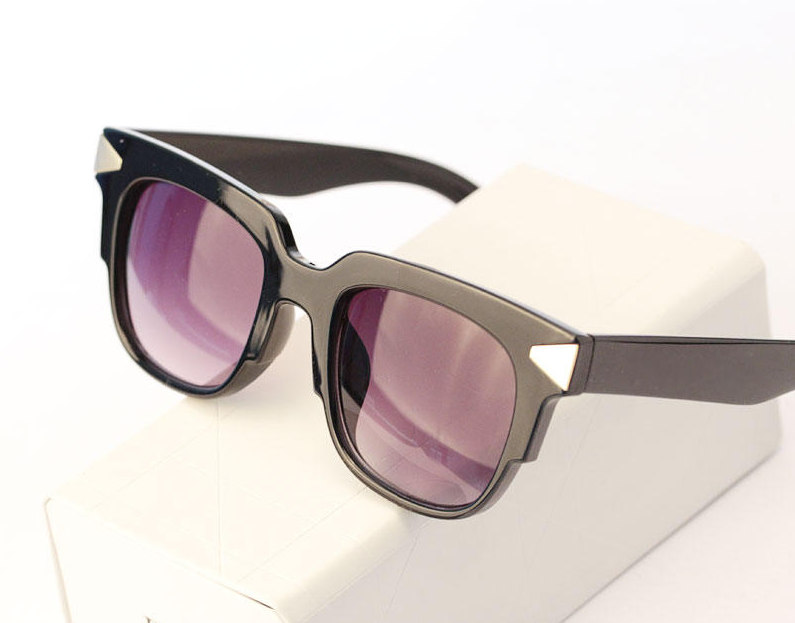 Buy Best Quality Metal Arrow Cool women men vintage retro sunglasses 2014  new oculos de sol feminino para W23 lentes de sol in Cheap Price on  m.alibaba.com f29edf5a3c