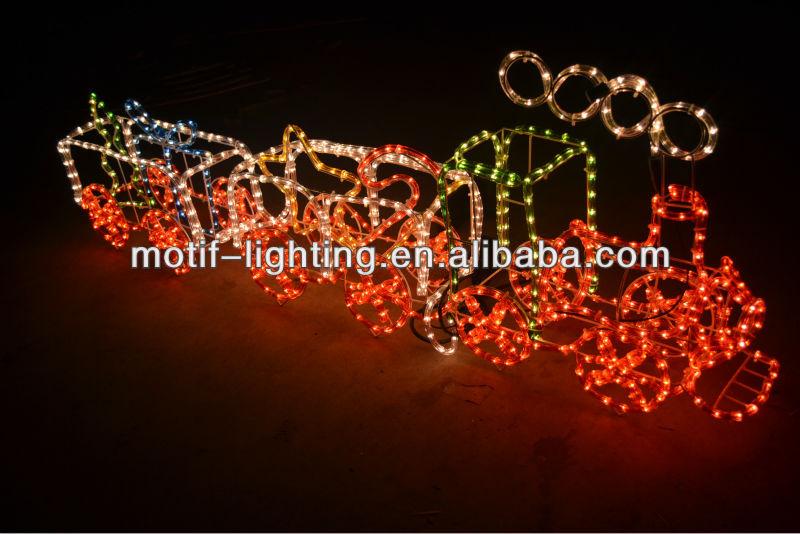 Weihnachtsbeleuchtung Außen Zug.Im Freien Beleuchteter Weihnachtszug