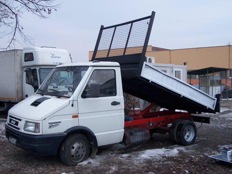 iveco daily 35 8 camions benne basculante id de produit 107285976. Black Bedroom Furniture Sets. Home Design Ideas