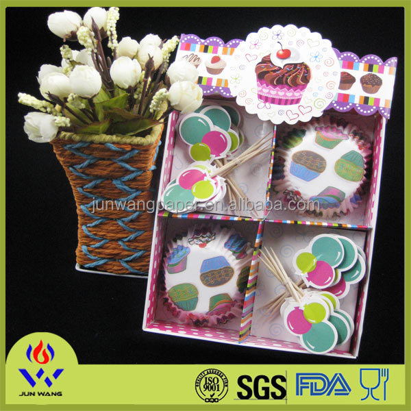 Gift box packaging muffin paper cup with topper decoration from China factory