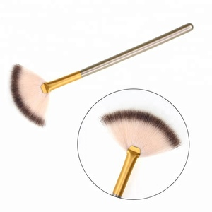 New Arrival Private Label Cosmetic Powder Mask Fan Makeup Brush