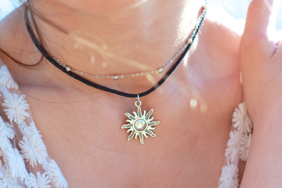 latest design gold plated peace sign leather choker necklace