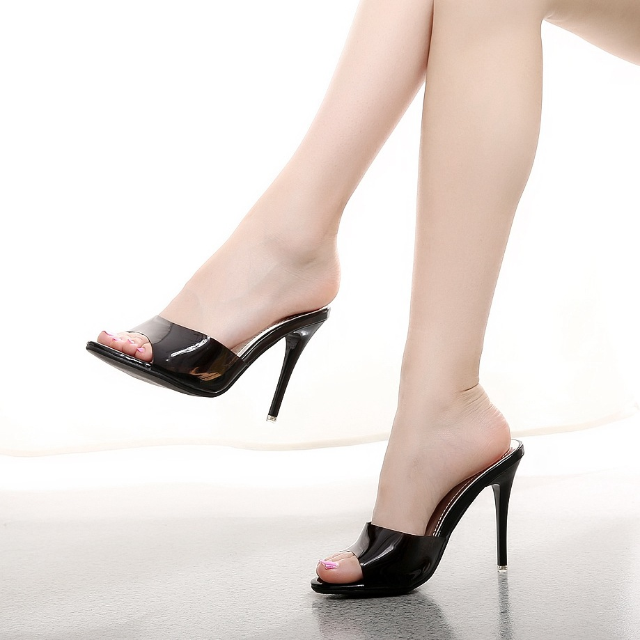 Buy high heels online at Myntra to bring home great quality footwear for women crafted to perfection. KNOW YOUR HIGH HEELS Before you decide to buy high heels online, it would be useful to have a quick look at the types of heels available.