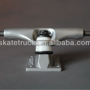 skateboard truck with pu wheel