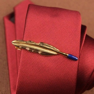 Custom made gold plated men feather shaped tie clip for necktie