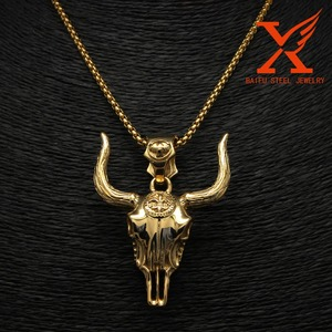 Mens Hip Hop Stainless steel Heavy Buffalo Skull 3D Gold Horn Neck Pendant