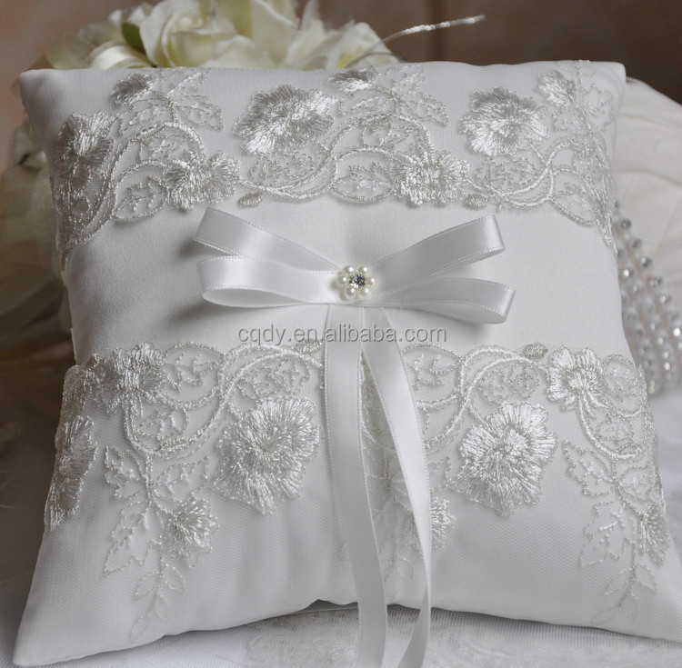 Western Style Popular Design Wedding Ring Pillow Embroider Lace Ring