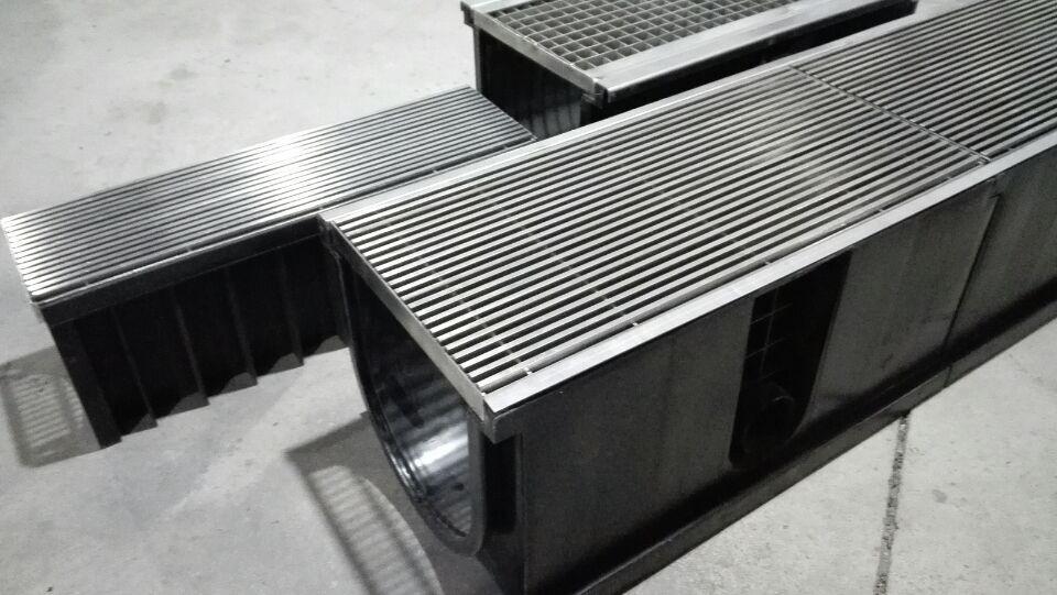 le tuyau de vidange vidange grilles pour jardin en plastique canal de drainage de l 39 eau tuyaux. Black Bedroom Furniture Sets. Home Design Ideas