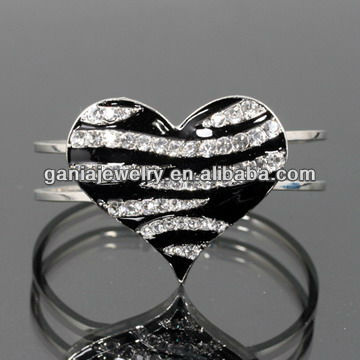 Charming Animal Zebra Printed Heart Cuff Bangle in 3 Colors