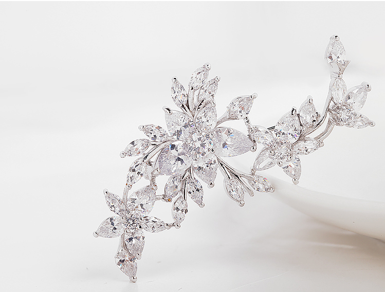 LUOTEEMI Luxury White Gold Plated Bridal Fashion Wedding Dresses Flower CZ Brooches