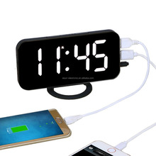 Home Decoration Table Desk Alarm Clock With Wireless Phone Charger Digital Table Clock