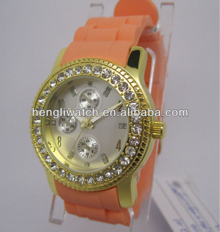 luxury diamond quartz watch with alloy case and silicon band
