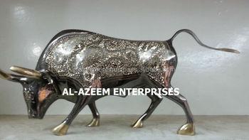 Best Quality Brass Made Bull Fighter Design Handicrafts Pakistan For