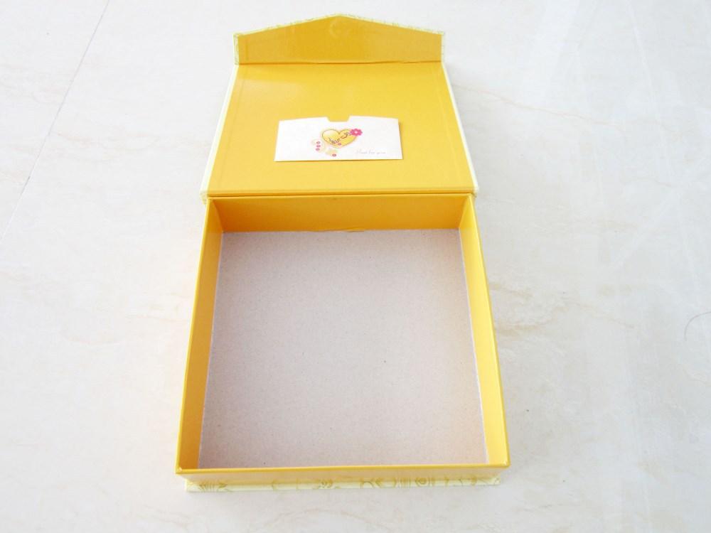 Lovely Pioneer Jumbo Scrapbook Storage Box, Yellow