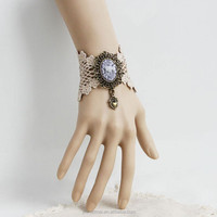Europe and the United States tasted palace lace love retro couple wrist jewelry wholesale