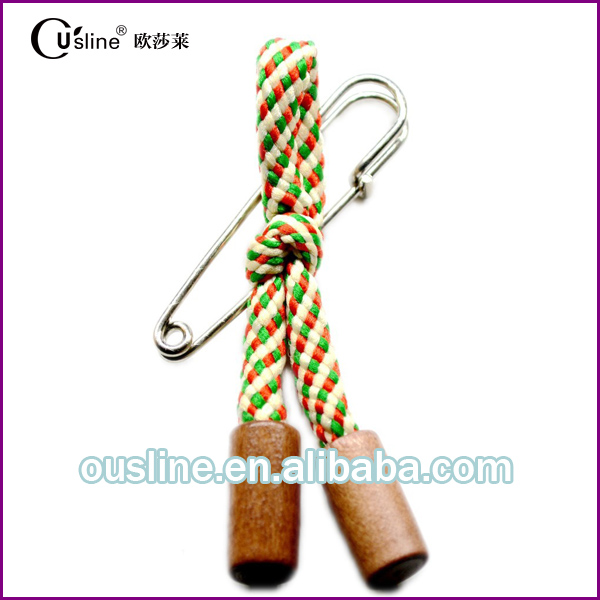 China manufacturer customized cotton rope wooden accessories metal lapel pin badge for man