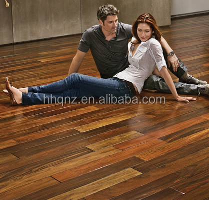 AMERICAN BLACK WALNUT 3 STRIP LACQUERED DISTRESSED GRADE ENGINEERED FLOORING UV AND HOMAG