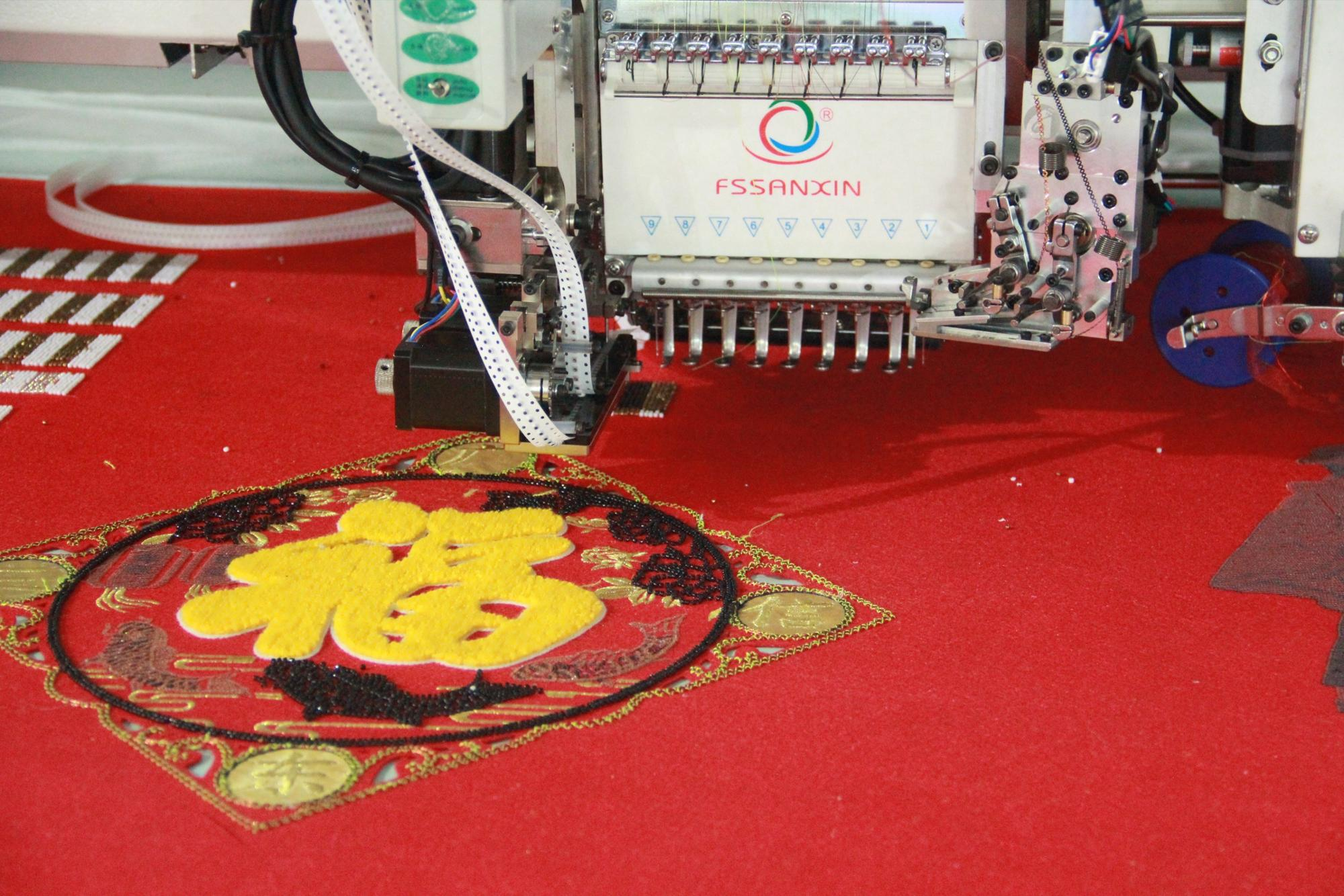 Industrial chain stitch/taping/flat/ beaded 3d embroidery machine computerized China price
