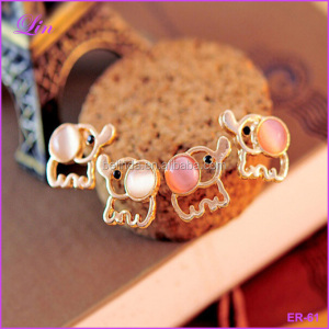 Fashion women Lovely Cute Baby Elephant Opal Rinestone stud earrings
