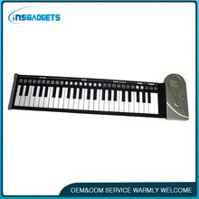 Rechargeable piano keyboard h0trr flexible roll-up silicone keyboard 61-key digital piano for sale