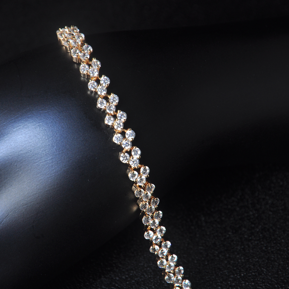 2018 The newest style gold plated zircon bracelet