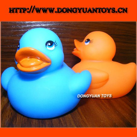 blue and orange colour rubber duck with whistle;vinyl pvc design soft duck toy for baby