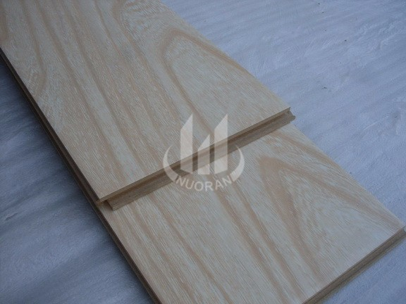 8mm White oak smooth gloosy surface laminate floor