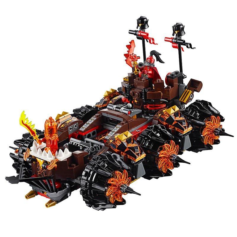 UKLego Nexo Knights Axl General Magmars Siege Machine of Doom.