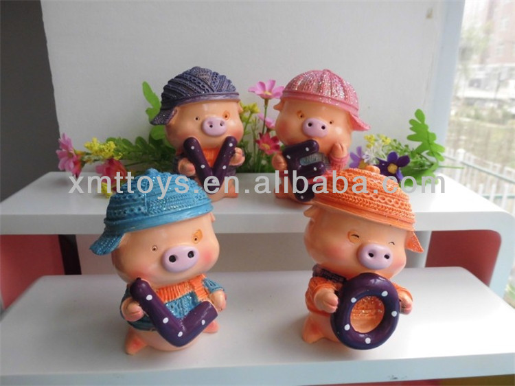 new idea resin 4 different type mini pigs for lovers home decoration