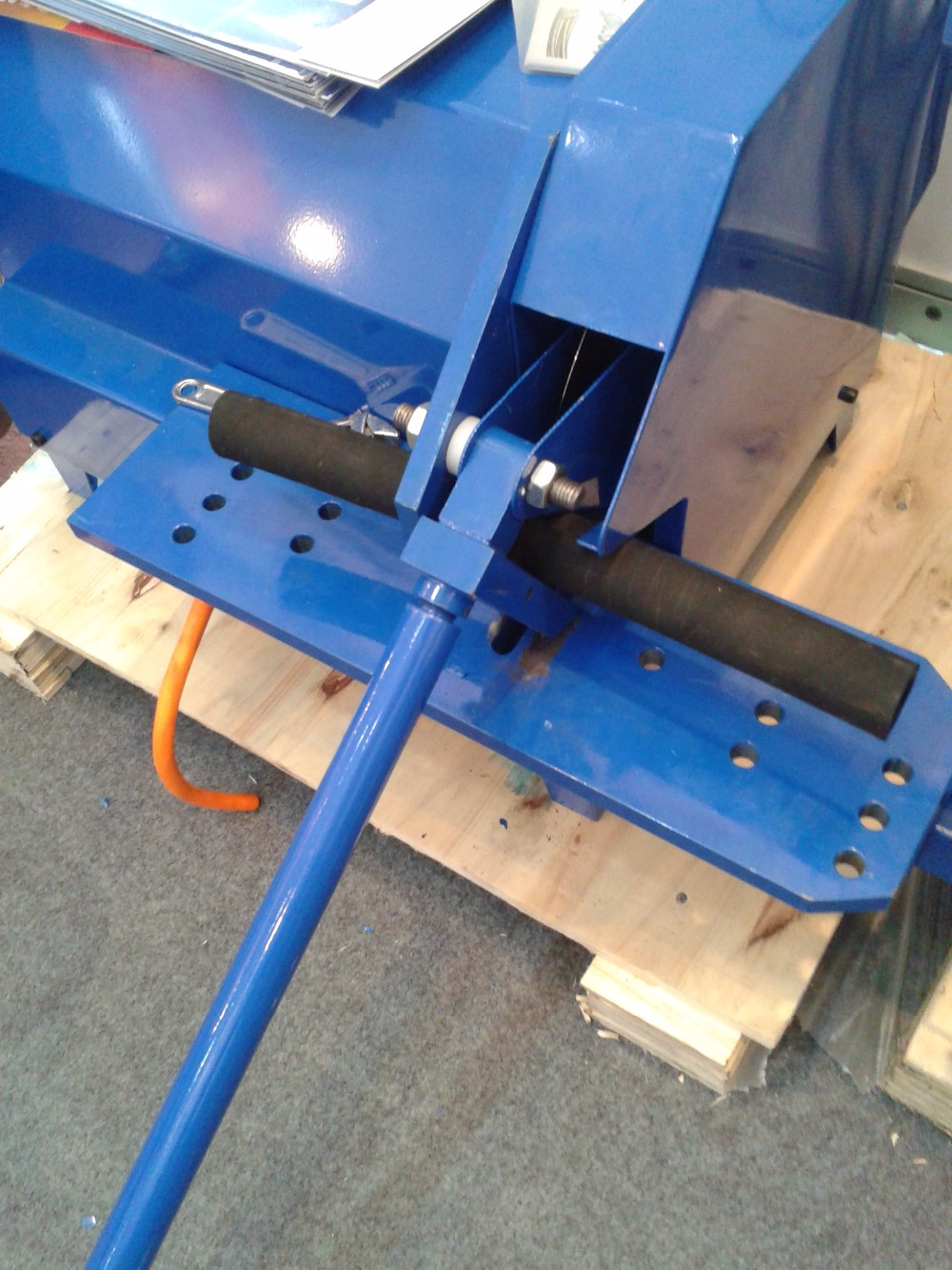 HOSE CUTTING MACHINE c52.jpg