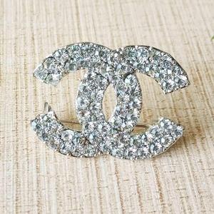 2019 High fashion crystal small channel brooch