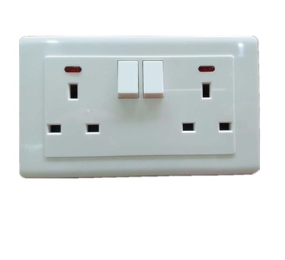 <strong>BS</strong> <strong>socket</strong> double 13A switched <strong>socket</strong> with neon